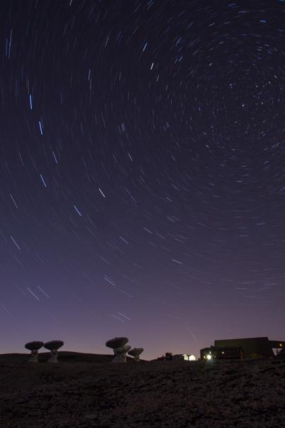 Filé d'étoile au dessus de l'observatoire de l'IRAM